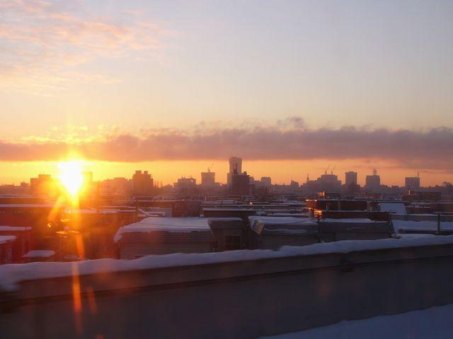 札幌ビル街からの日の出