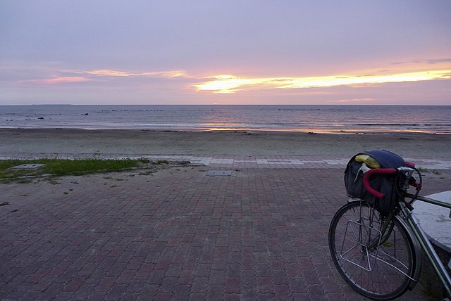 象潟海水浴場の夕日