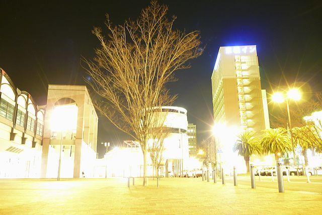 JR佐世保駅前の夜