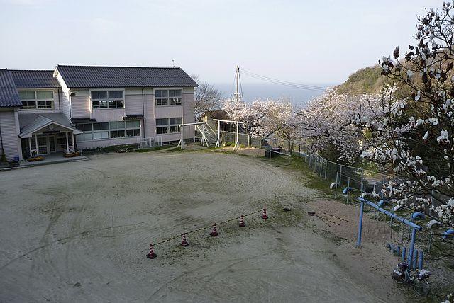 塩津小学校の校庭