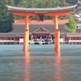厳島神社の鳥居正面