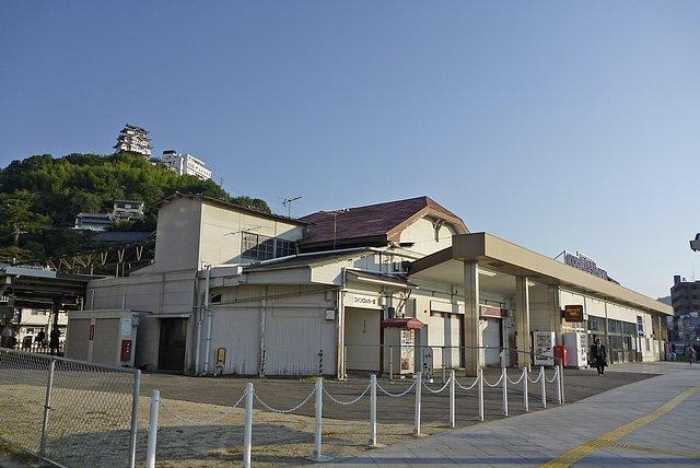 尾道駅前を出発