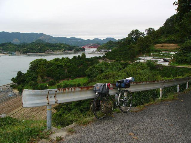 津部田(つぶた)の坂道